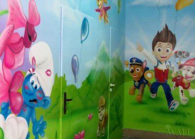 malowidło ścienne - smurfy i psi patrol  - salka urodzinowa