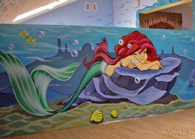malunki na ścianach - sala zabaw - Arielka