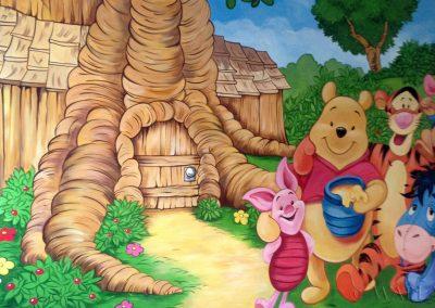 malowidło ścienne w pokoju - Kubuś Puchatek