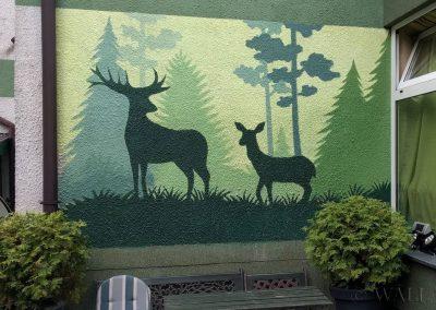 mural jelenie - apartamenty Akacja Kraków