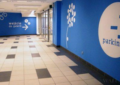 pomalowane ściany, malowanie dekoracyjne - wejście do centrum handlowego Rembielińska Warszawa