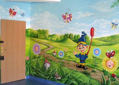 bajkowe malowidło ścienne  - kwiaty i krasnal