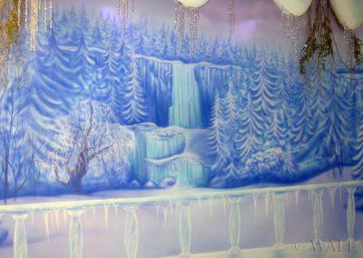 malowidło ścienne w sali zabaw - kraina lodu