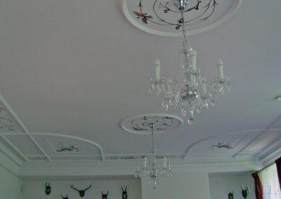 ornamenty na suficie