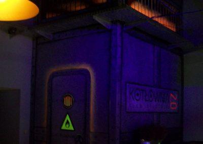 pomalowane ściany - fluorescencyjne UV - klub Kotłownia Toruń