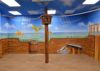 malunki na ścianie - malowidło przedstawiające statek i morze