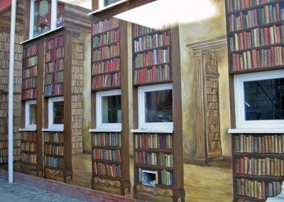 wykonany mural - książki - Biblioteka w Ustroniu