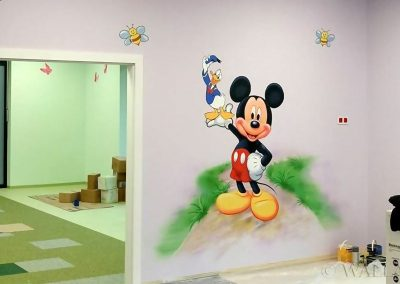 malowidło w przedszkolu - Myszka Miki - obraz malowany aerografem