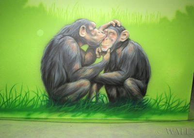 malowidło ścienne - szympansy