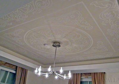 sufit - namalowane ornamenty dekoracyjne