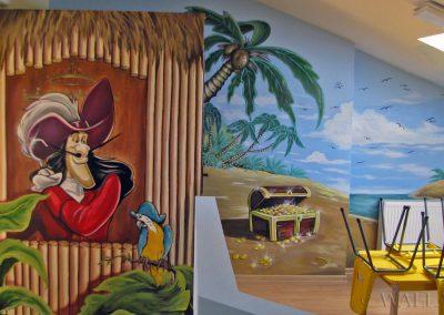 malowidło ścienne w sali zabaw - pirat i wyspa skarbów