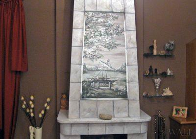malowidło ścienne na kominku w pokoju