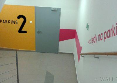 pomalowane ściany - klatka schodowa - grafiki ścienne