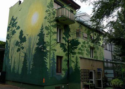mural przedstawiający las i zwierzęta - apartamenty Akacja Kraków