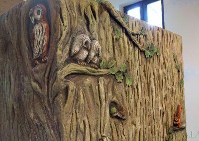 płaskorzeźba - drzewo i ptaki