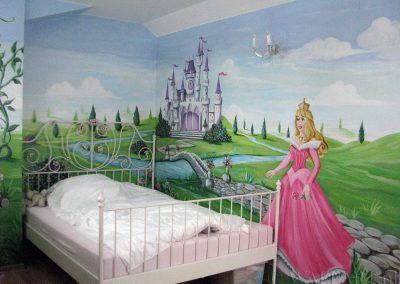 malowidło ścienne w sypialni dziewczynki