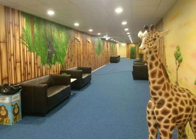 malowidła ścienne w sali zabaw - korytarz bambusowy