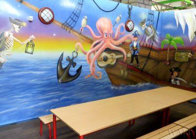 sala urodzinowa - namalowany statek