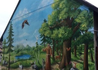 wykonany mural - święty Franciszek i zwierzęta