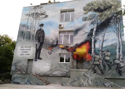 mural na szkole im. Hubala